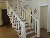 Барнаул: Межэтажные лестницы для дома из массива дерева Лучшая межэтажная конструкция это лестница из натурального дерева, заказанная в компании Папа Карло!